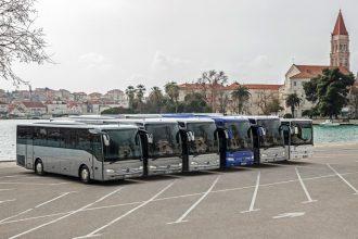 Mercedes-Benz Tourismo Range; Tourismo K, Tourismo, Tourismo M, Tourismo L, Tourismo M/2, Tourismo RH (von links) Mercedes-Benz Tourismo range; Tourismo K, Tourismo, Tourismo M, Tourismo L, Tourismo M/2, Tourismo RH (from left)