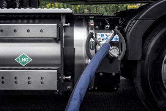 Volvo LNG (1) (Medium)