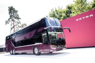 Weltpremiere: Neuer Setra Doppelstockbus setzt Benchmark bei Verbrauch, Komfort und Sicherheit