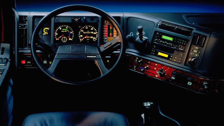 1860x1050-02-Cab-newsintro