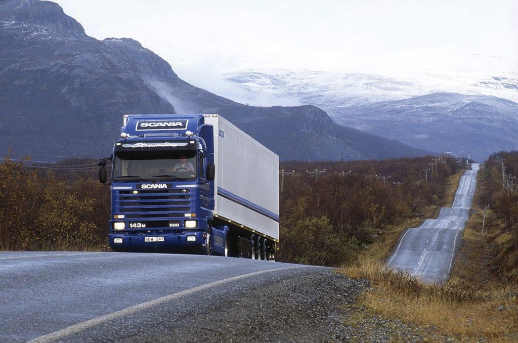 V8_9 Scania R143 4x2