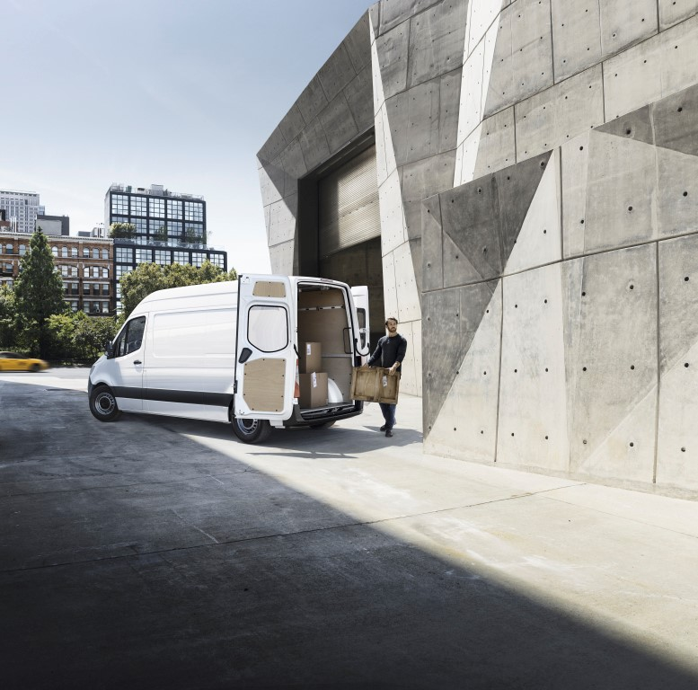 2018, The new Sprinter, Launch Campaign, Front Wheel Drive Cargo