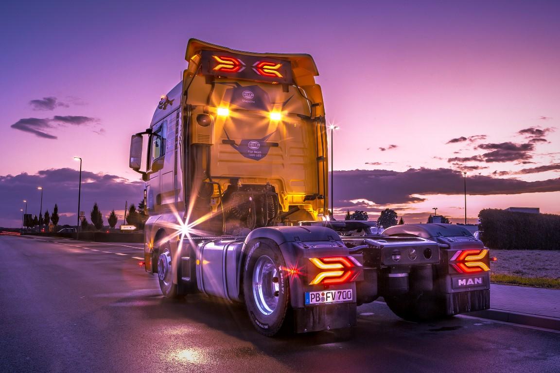 Show_Truck_Heck_Shapeline (Medium)