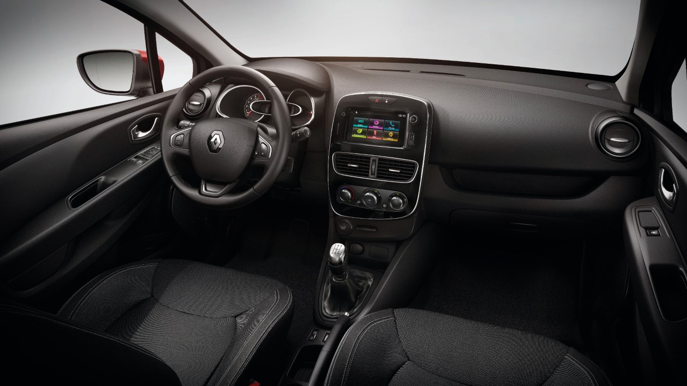 E2 VERSION - BLACK FABRIC TRIM - MANUAL GEARBOX - MEDIA NAV ENGLISH VERSION