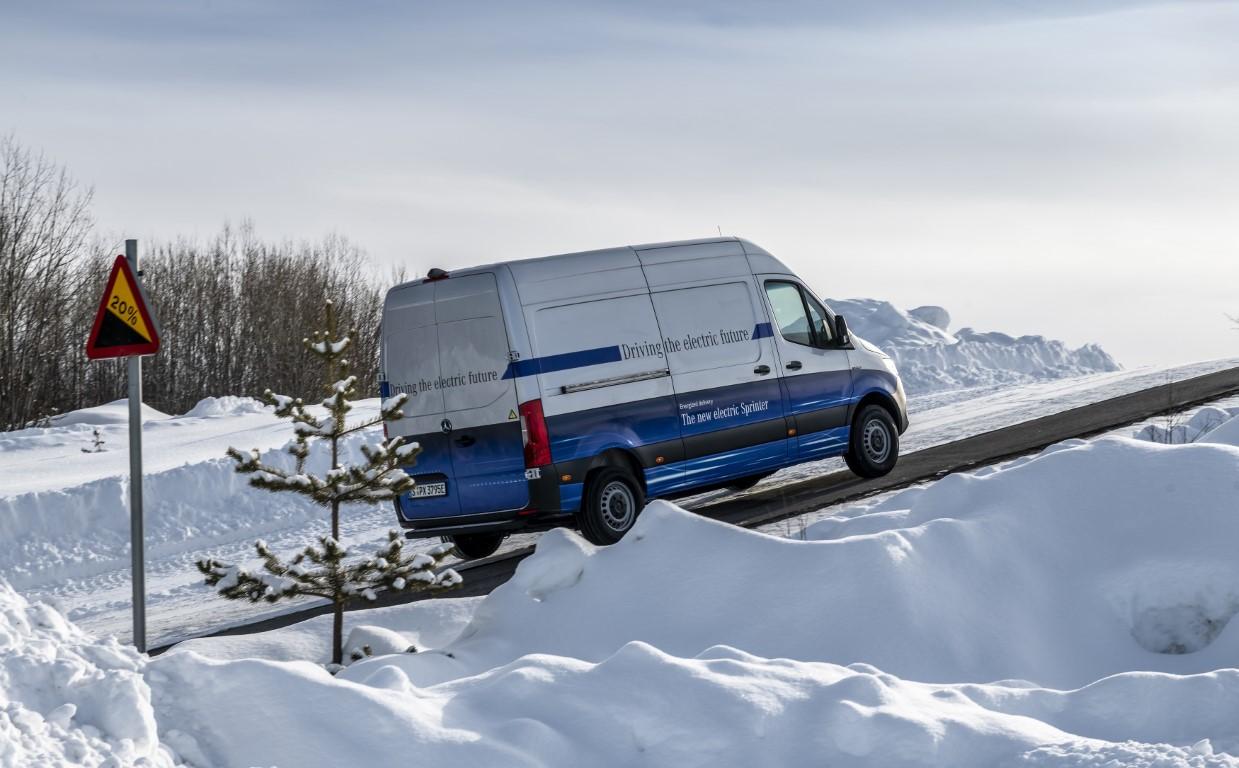 Elektrische Transporter von Mercedes-Benz Vans: Auch bei arktischen Bedingungen zuverlässig auf der letzten Meile – Der Mercedes-Benz eSprinter absolviert seine finale Wintererprobung am Polarkreis Electric Vans from Mercedes-Benz Vans: Reliable last-m
