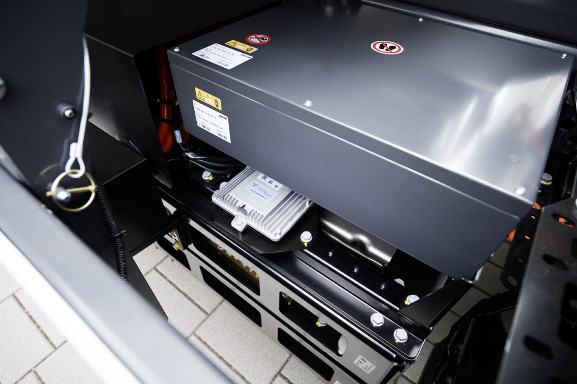 Mercedes-Benz eActrosMercedes-Benz eActros