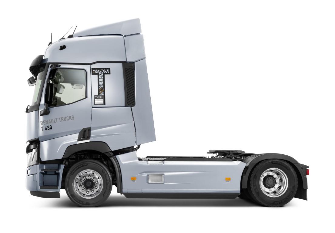 renault-trucks-t-model-year-2020_02 (Medium)