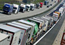 Οι οδηγοί φορτηγών στην πρώτη γραμμή