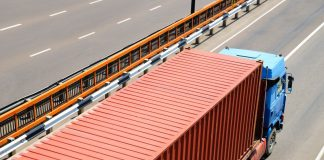 Παρατείνεται η ισχύς όλων των αδειών των οδικών μεταφορέων