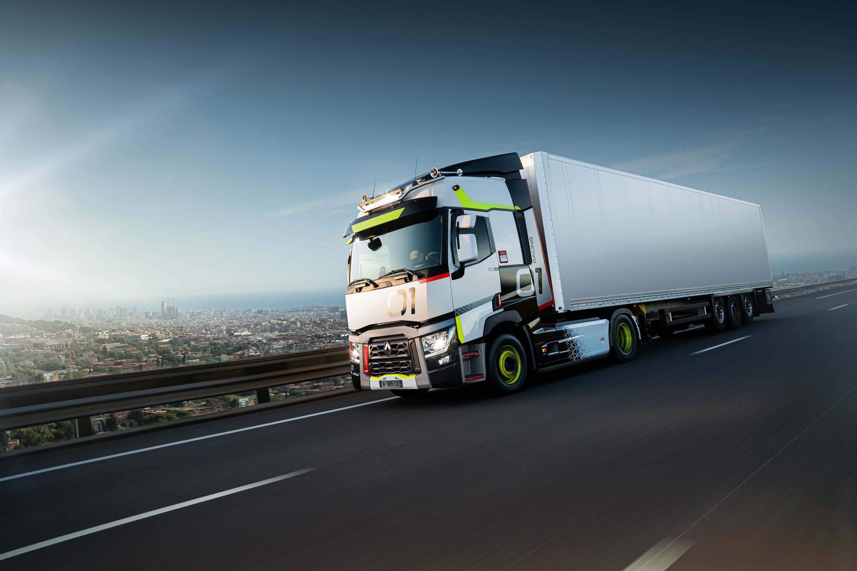 renault-trucks-01-racing-used-trucks_04