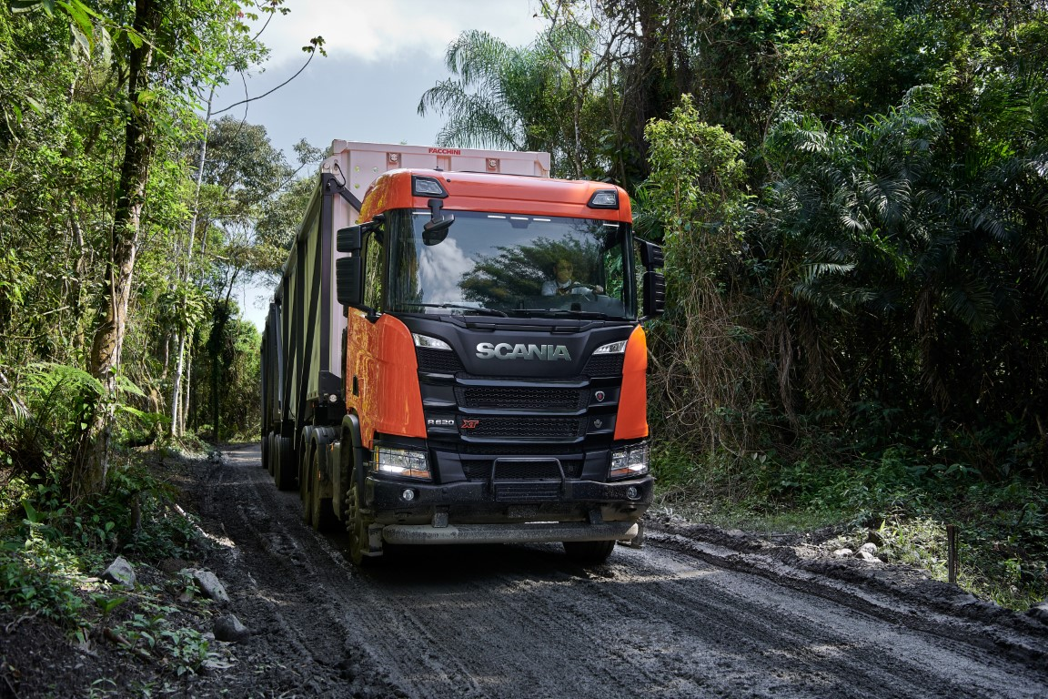 Press test and drive Scania R 620 XT 6x4, sugar cane transport