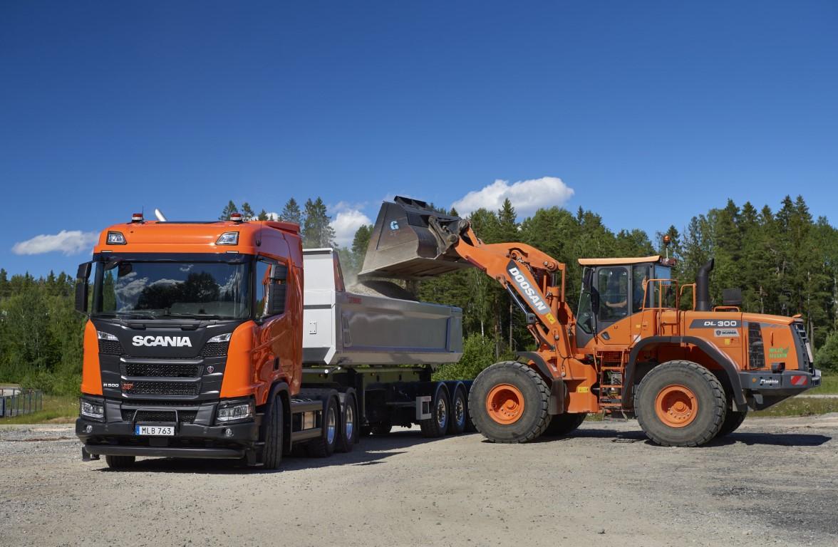 Scania R 500 XT 6x4 with tipper semitrailer Södertälje, Sweden Photo: Dan Boman 2017