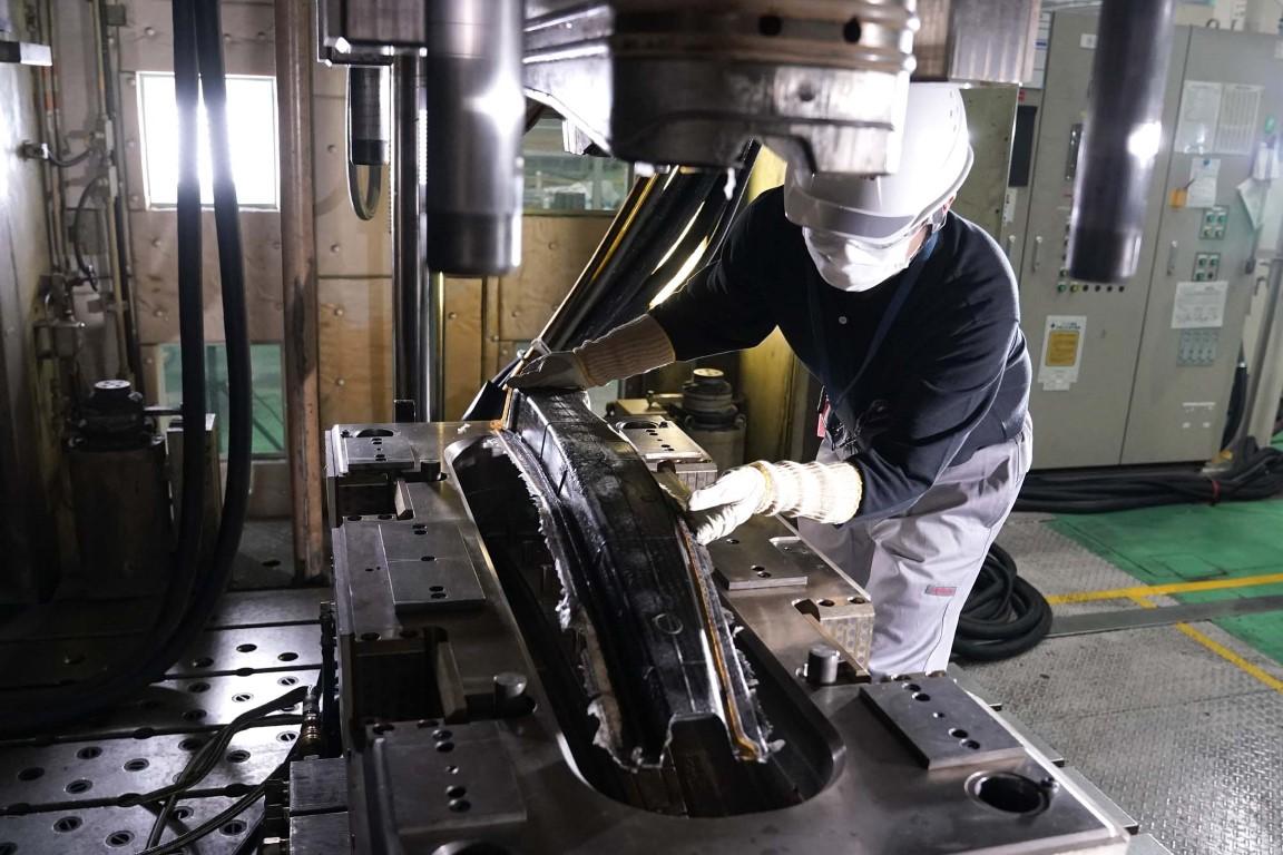 Nissan Σημαντική ανακάλυψη στην παραγωγή ανταλλακτικών από ανθρακονήματα (6)