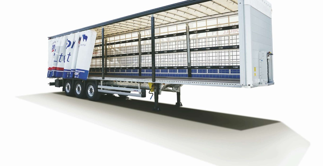 The semi-trailer curtainsider with galvanized chassis