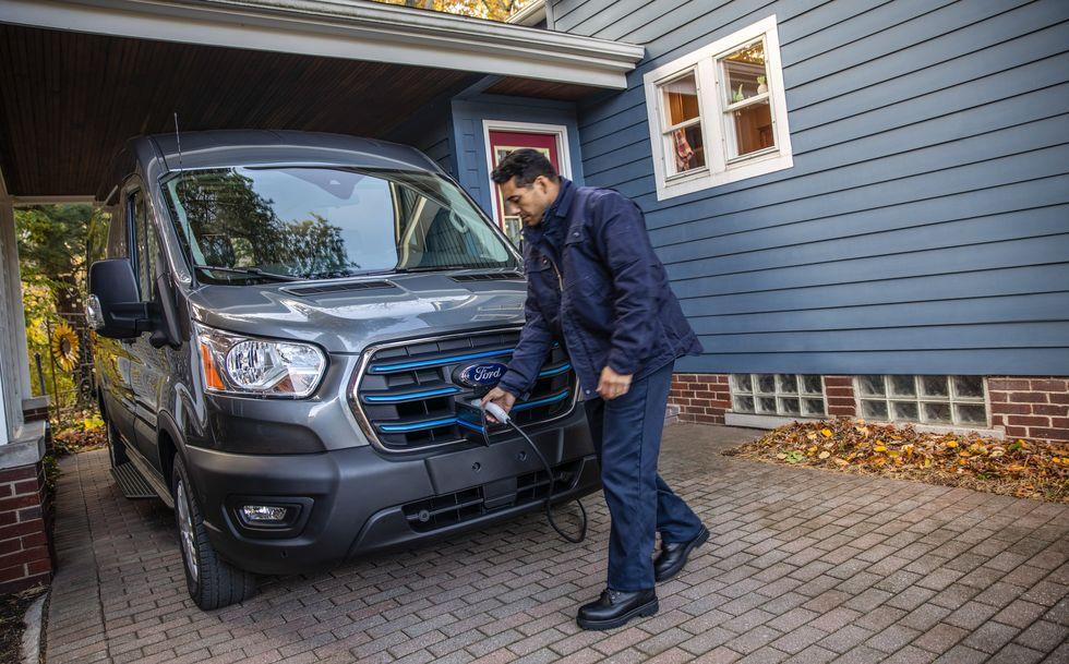 Η Ford αποκαλύπτει το ηλεκτρικό E-Transit (10)