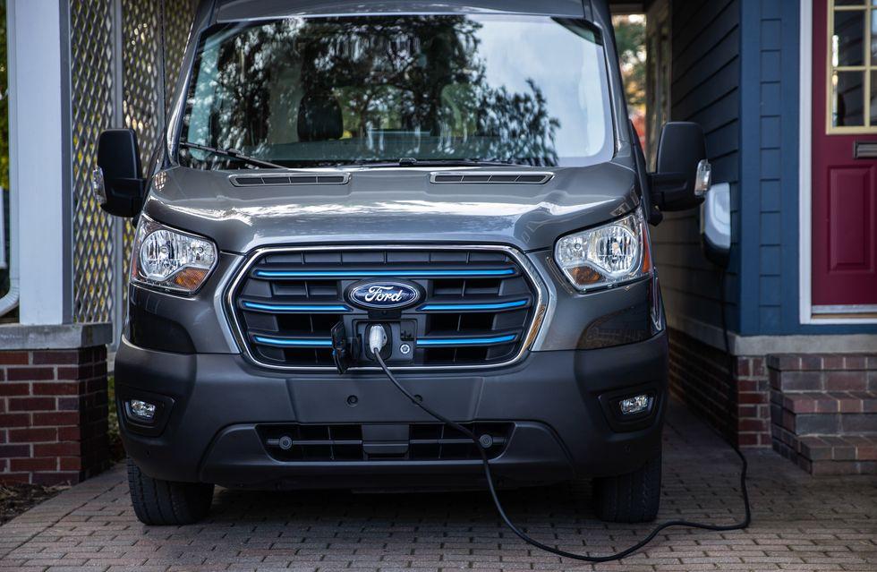 Η Ford αποκαλύπτει το ηλεκτρικό E-Transit (9)