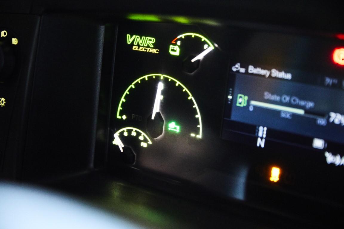 Volvo Trucks Ξεκινάει στην Β. Αμερική την εμπορική διάθεση του ηλεκτρικού VNR2