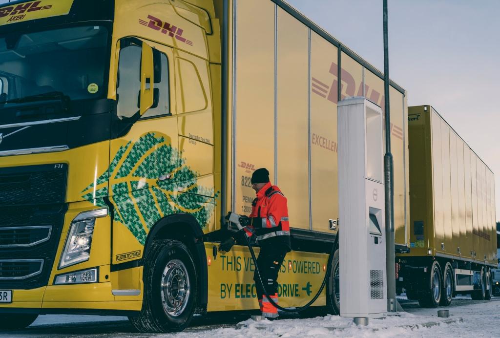 Volvo_DHL (2)
