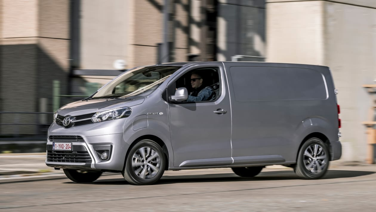 Toyota-Proace-van-15