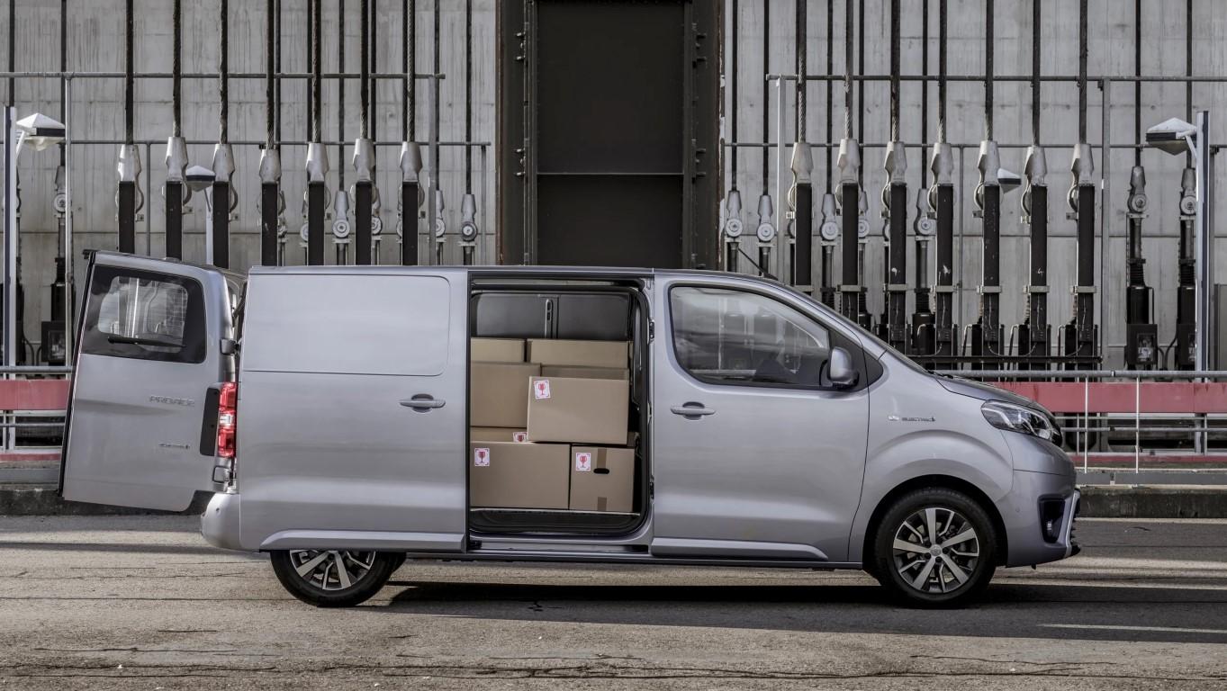 Toyota Proace van-9 (Medium)