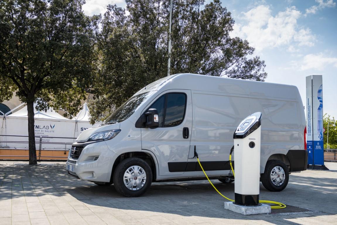 recharging E-Ducato (3) (Medium)