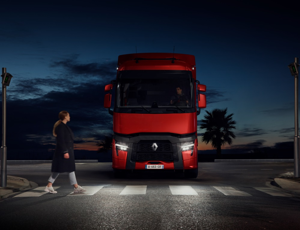 Renault Trucks 2021_11 (Medium)