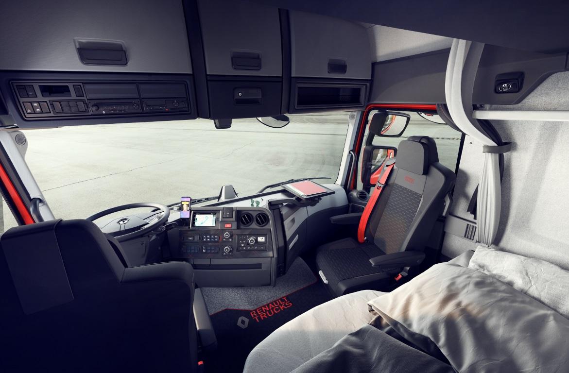 Renault Trucks 2021_3 (Medium)