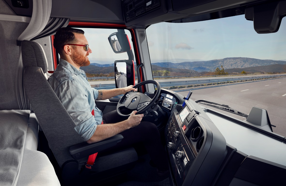 Renault Trucks 2021_4 (Medium)