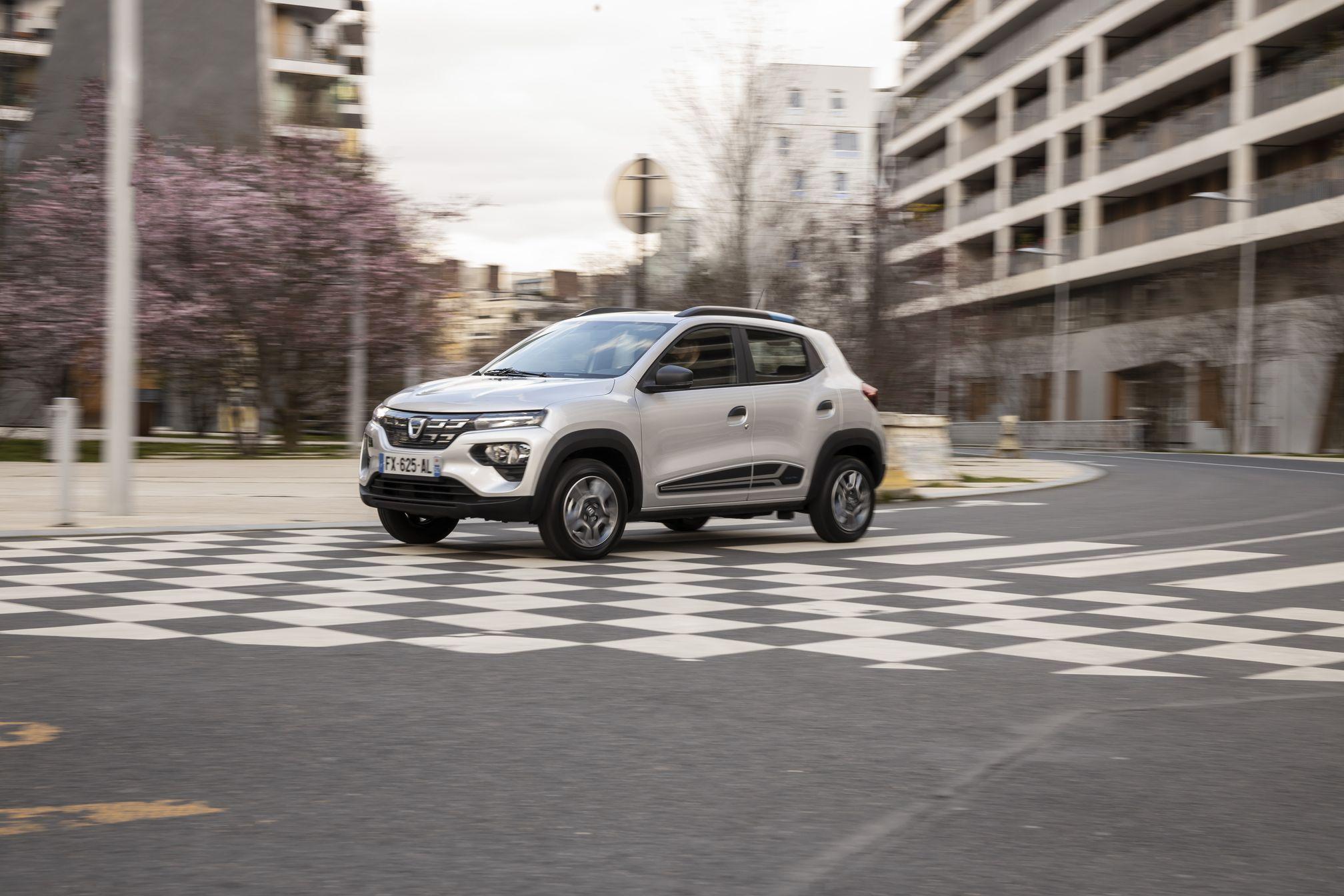 7-2021 - New Dacia Spring_low