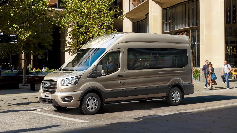 Ford-Transit_minibus (5)