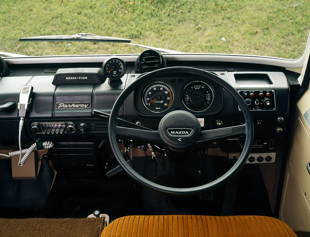 1974_Mazda_Parkway_int_02 (Medium)