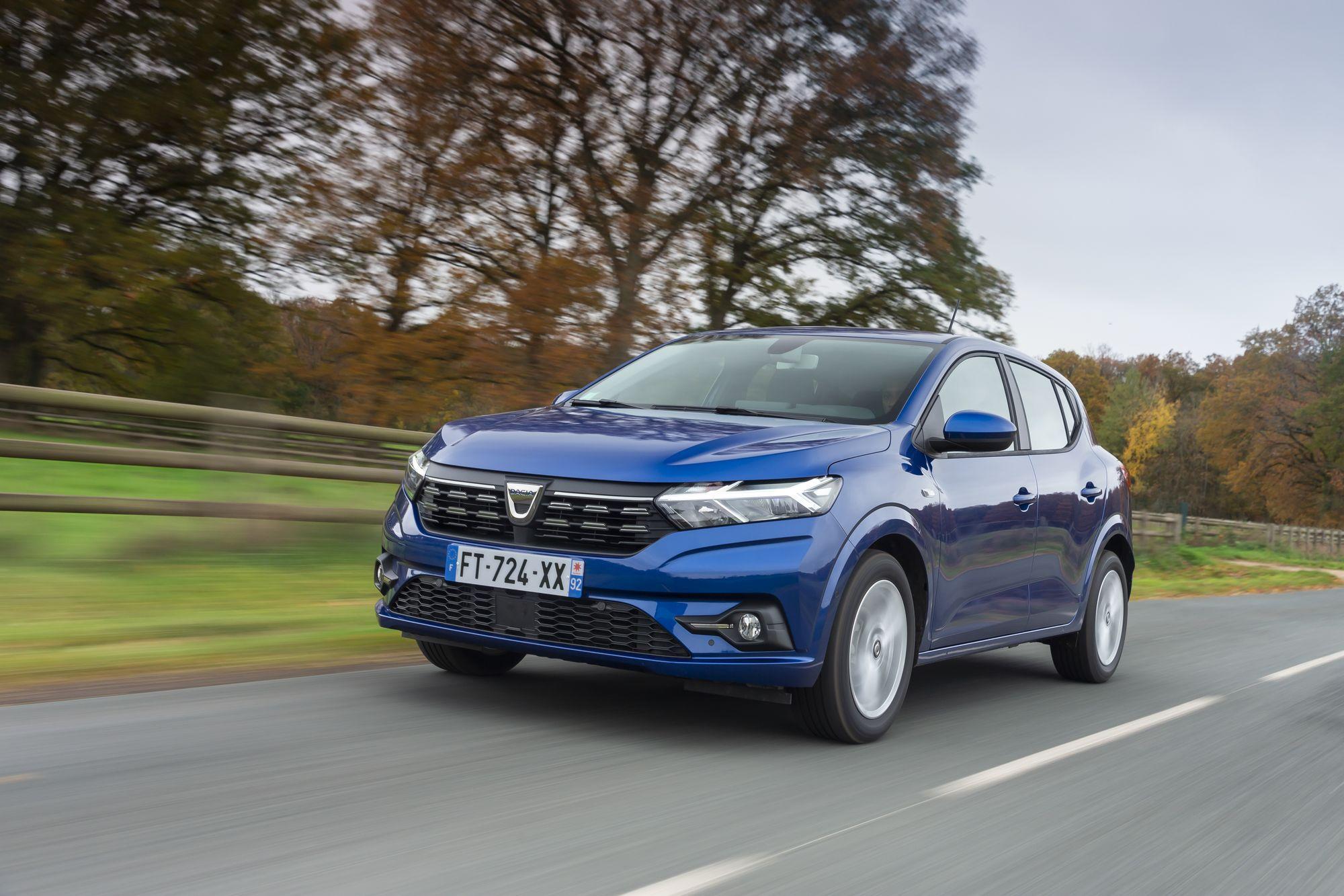 2020 - New Dacia SANDERO tests drive (2)_low