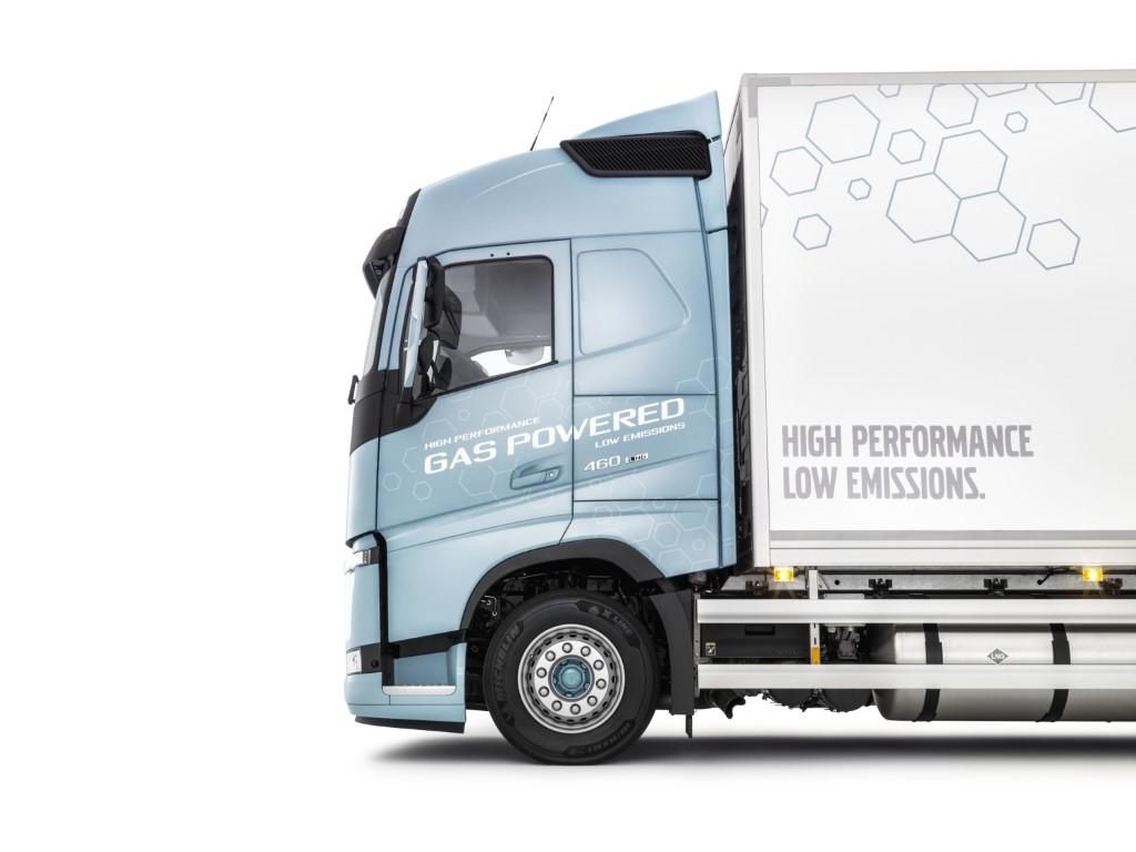 Volvo FH LNG 3 small (Medium)